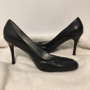 BCBG MAXAZRIA closed Shoes/heels/pumps NWOT!